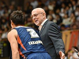 安定しない横浜ビーコルの守備。新HCの改革はいつ実を結ぶか。