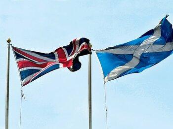 独立に揺れるスコットランド。祖国への愛は何をもたらすか。~欧州サッカーにも大きく影響?~<Number Web> photograph by AFLO