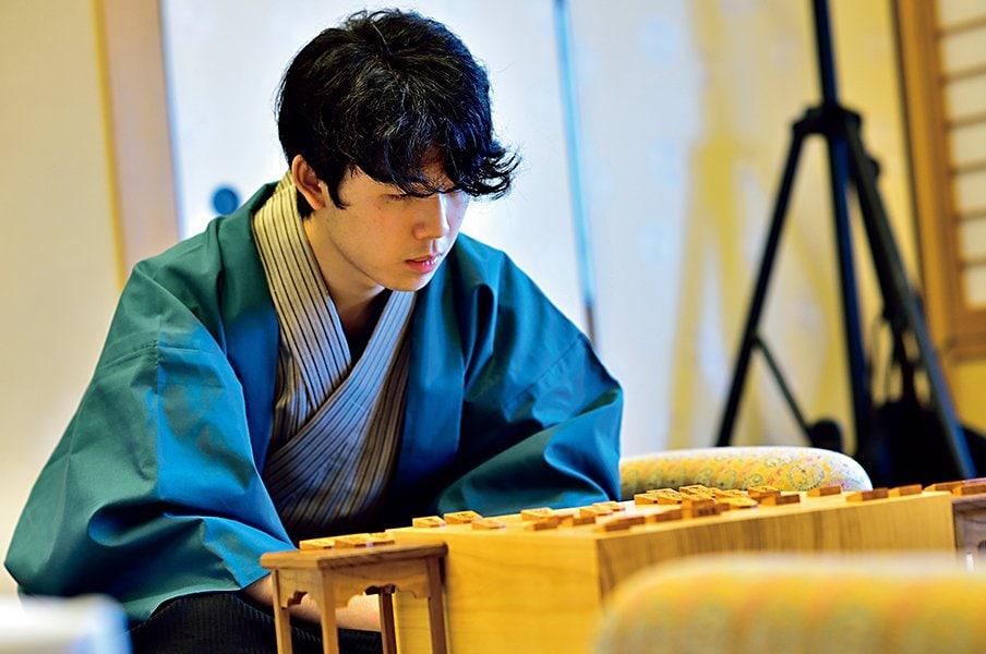 最年少二冠の輝き>藤井聡太 天翔ける18歳。 - 将棋 - Number Web - ナンバー