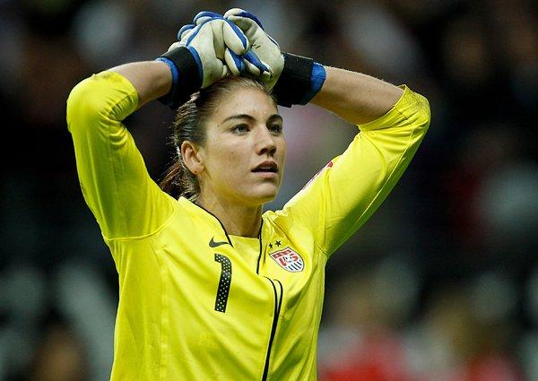 サッカー女子W杯2011決勝、呆然とする米代表GKソロ