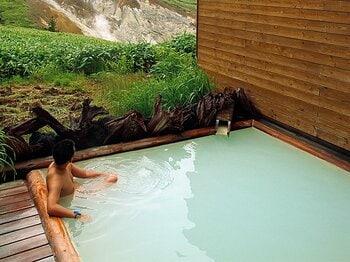 <わたしの愛する山遊び> 旅のルポライター・土井正和が愛する「温泉名山」 ~「登る」と「浸かる」は1セット~<Number Web> photograph by Masakazu Doi