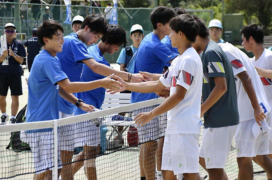 高校テニスの酷暑は甲子園以上?多数の救急搬送、日程改善は必須。