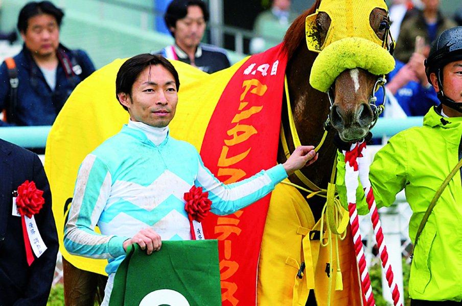 数字が示す騎手の妙技。秋競馬はフェアプレー賞に注目。~藤田菜七子もかなりの好成績~<Number Web> photograph by AFLO