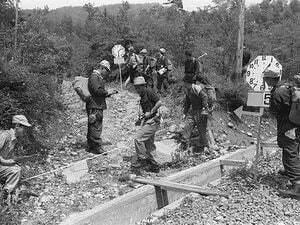 """登山靴で蹴り、""""精神棒""""で腹をえぐる…56年前の「農大ワンゲル部死のシゴキ事件」はなぜ起きてしまったのか"""