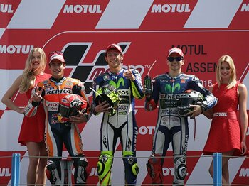 最後は「友達の多いヤツ」が有利!?MotoGP後半戦、王者たちの三つ巴。<Number Web> photograph by Satoshi Endo