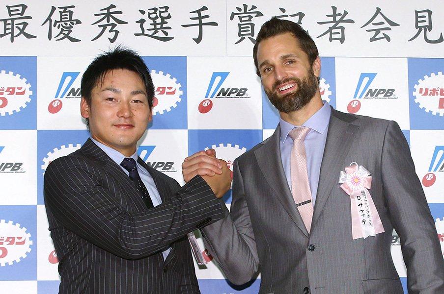 """活躍した選手より取材対象への愛。プロ野球MVP投票、""""忖度""""の度合い。<Number Web> photograph by Kyodo News"""
