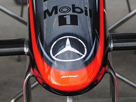 """F1シーズンオフにメルセデスを巡る""""スターウォーズ""""が勃発!"""