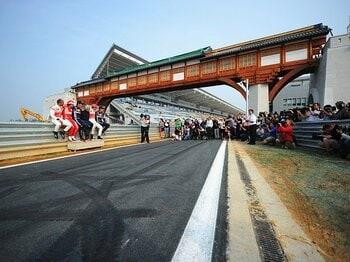 コースはあるけど……施設は未完成。主催者の謝罪で始まったF1韓国GP。<Number Web> photograph by Getty Images