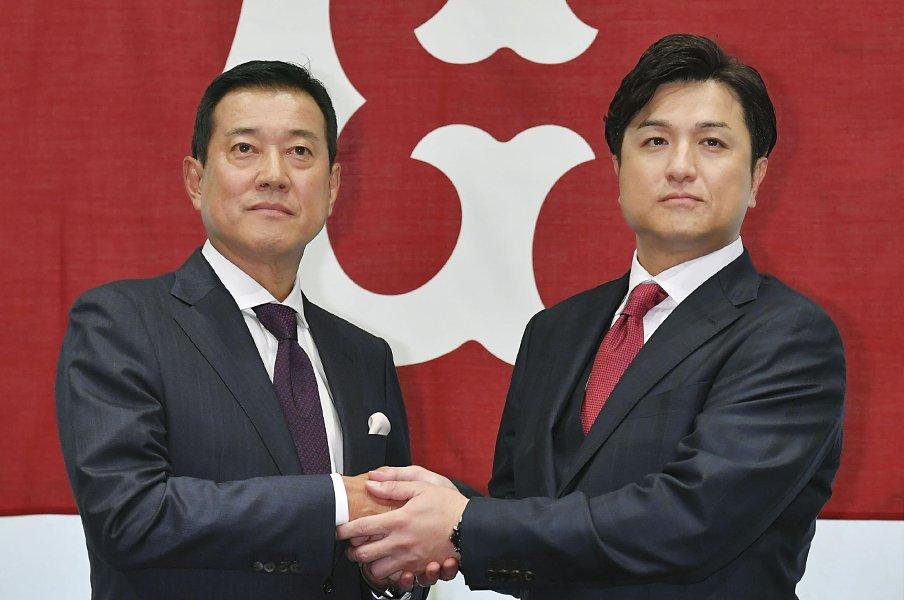 原監督、就任会見の発言を分析する。「管理野球」と「のびのび」の共存。<Number Web> photograph by Kyodo News