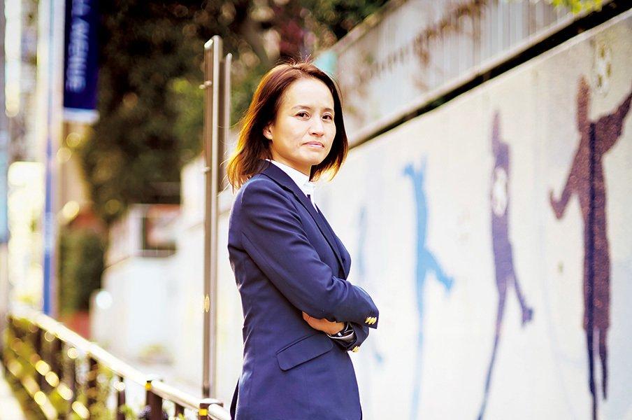 なでしこ逆襲へ、東京五輪3年計画。高倉麻子「いつもすべてを賭けて」<Number Web> photograph by Tadashi Shirasawa