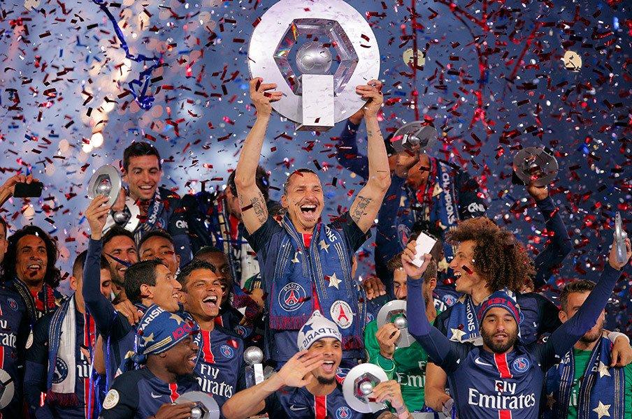 世界で最も年俸が高いクラブはどこ?1位は意外な名前、セリエは爆下げ中。<Number Web> photograph by AFLO