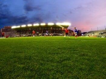 観客との一体感を生むサッカー専用スタジアム。<Number Web> photograph by Tsutomu Takasu