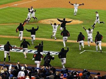 10月の熱戦とフォーマット変更。~MLBの「長すぎるポストシーズン」~<Number Web> photograph by Getty Images