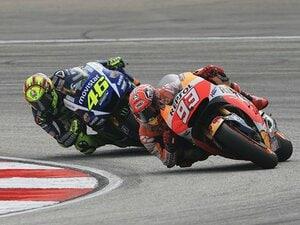 ロッシとマルケス、両王者の報復戦。マレーシアGPが史上最低のレースに。