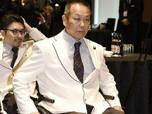 パラアイスホッケーの61歳・福島忍。 医師に言われた「良い方なんだよ」。