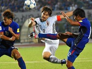 代表でPK失敗、レスターでは控え……。岡崎慎司が飛躍のために歩む苦境。