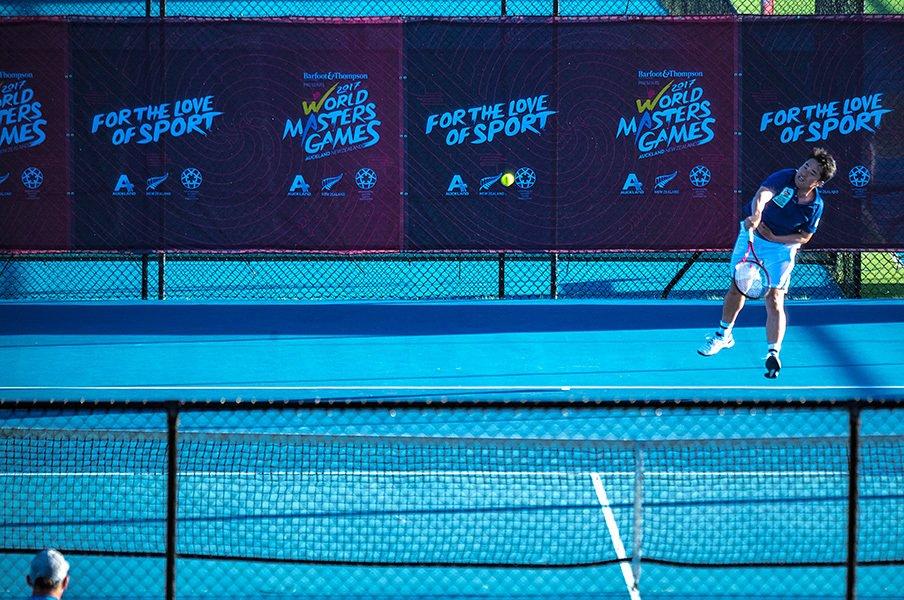 """オークランドで繰り広げられた、""""テニス選手""""杉村太蔵、37歳の熱戦。<Number Web> photograph by Takuya Sugiyama"""