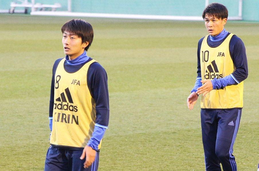 市船、Jリーグ、代表でもライバル。杉岡大暉と原輝綺、18歳の物語。<Number Web> photograph by Takahito Ando
