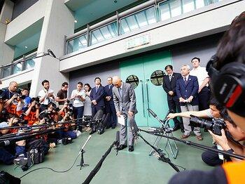 レスリング・パワハラ問題の遠因か?日本代表と所属チームの指導兼務。<Number Web> photograph by AFLO