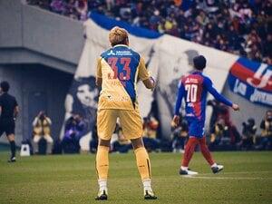 """カメラマン視点でGK林彰洋を観察。首位FC東京の守護神は""""熱血長男""""。"""