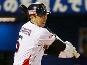 ヤクルトの強みは5、6回の得点力。宮本慎也の職人技に注目せよ。<Number Web> photograph by Tomoki Momozono