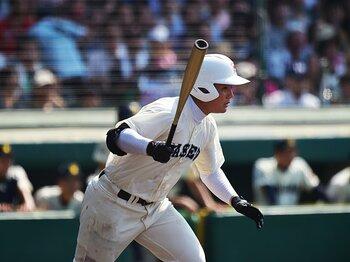 高校野球で加速する「右投げ左打ち」。4日目までの30校中5校で過半数に!<Number Web> photograph by Hideki Sugiyama