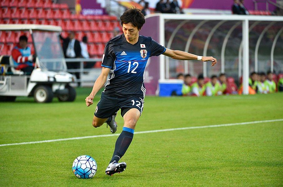 サッカー界に一石を投じるプロ入り。室屋成、そして明治大学の英断。<Number Web> photograph by Takuya Sugiyama
