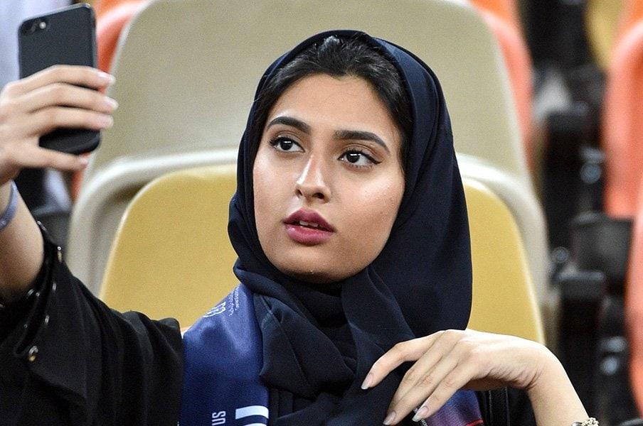 サウジの女性がクリロナを見た日。伊スーパー杯開催地問題の果てに。<Number Web> photograph by AFLO