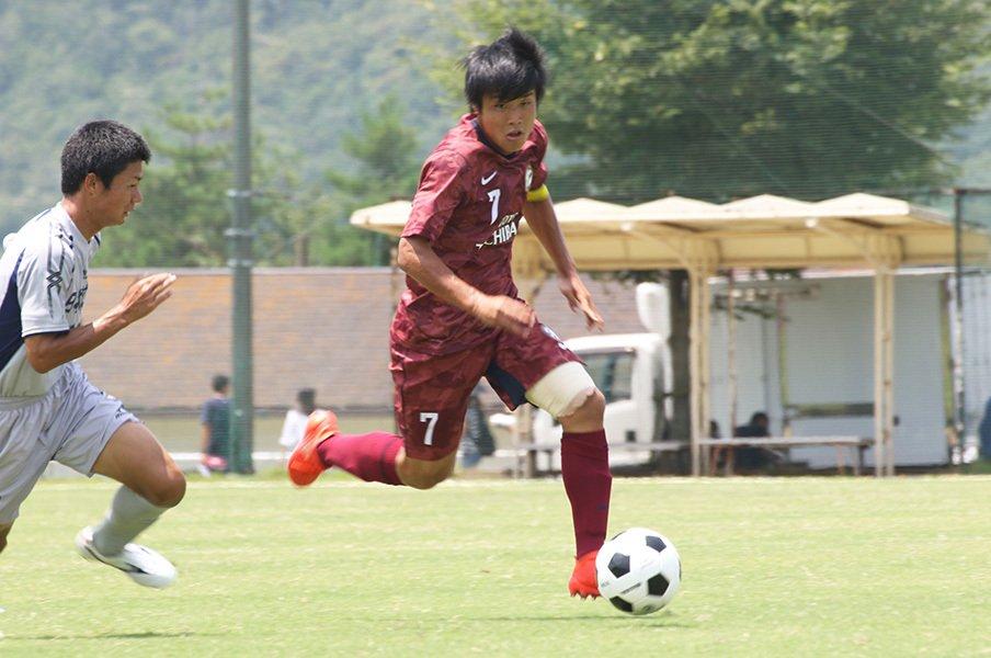 ユース世代No.1選手が京都サンガへ。岩崎悠人という驚異のスピードスター。<Number Web> photograph by Takahito Ando