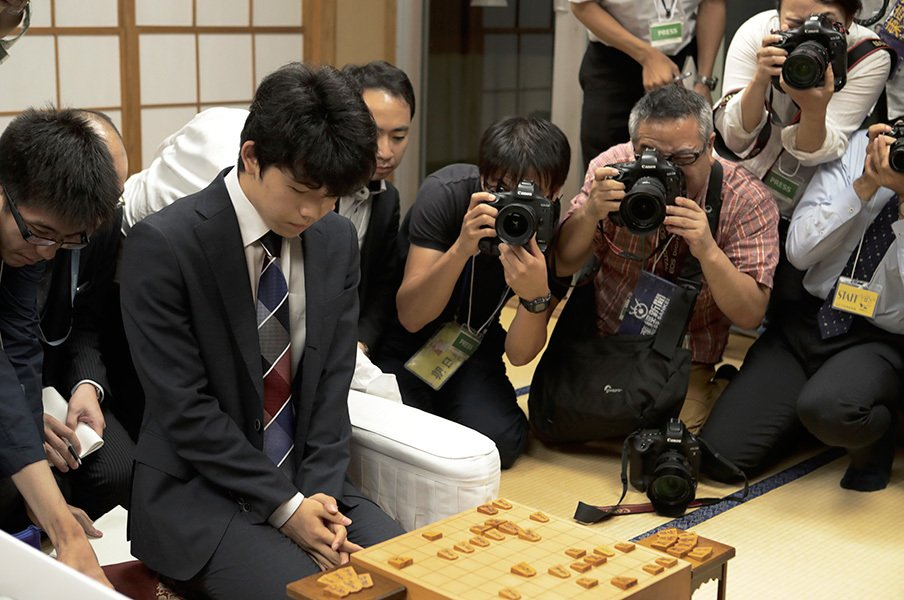 藤井四段は29連勝、巨人は13連敗。勝ち続けも負け続けもどっちも辛い!<Number Web> photograph by Tadashi Shirasawa