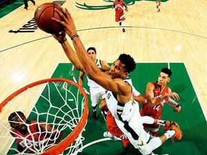 <NBA2018-2019>アデトクンボ「天国の父に捧ぐMVP」