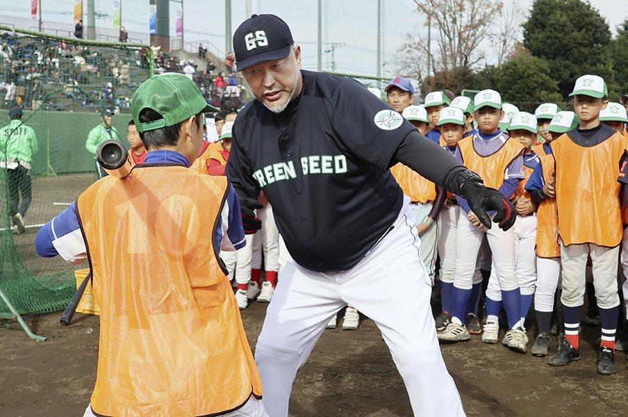 清原和博はなぜ号泣したのか。離れたはずの家族、友人との絆。<Number Web> photograph by Kyodo News