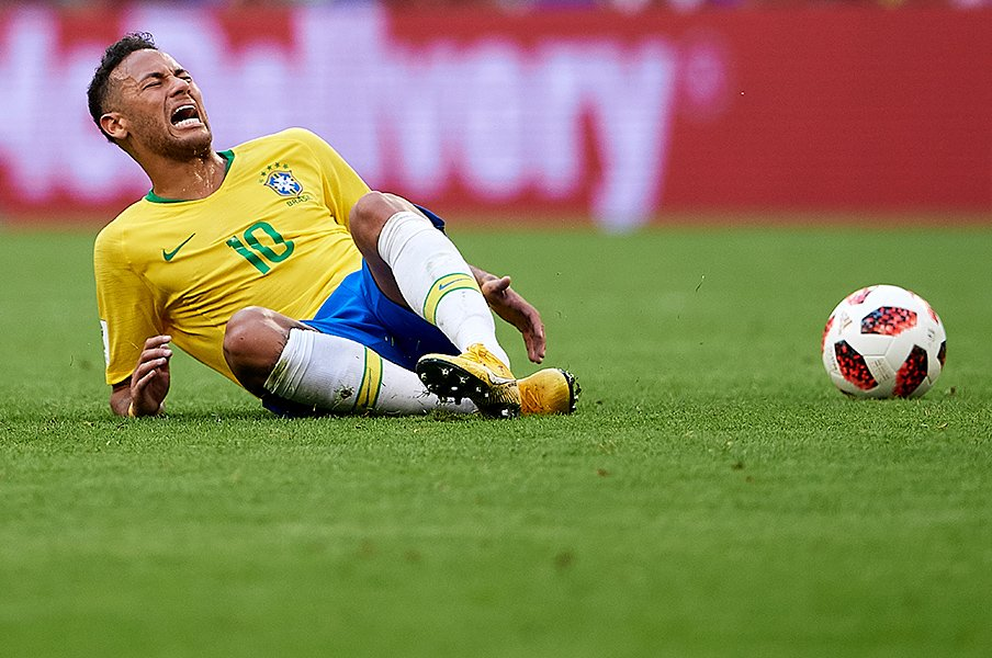 ネイマールの演技はもう通用しない。VAR制度はサッカーそのものを救う。<Number Web> photograph by Getty Images