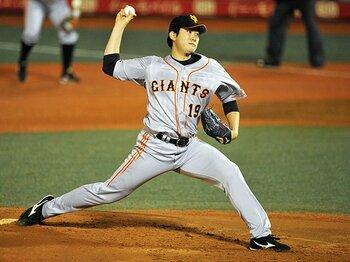 田中に唯一の黒星をつけた男。菅野智之は繊細な指先で勝負する!<Number Web> photograph by Hideki Sugiyama