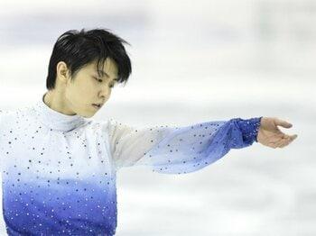 羽生結弦SPトップで二連覇見えた!ただし、来季の出場枠は大ピンチに。<Number Web> photograph by Asami Enomoto