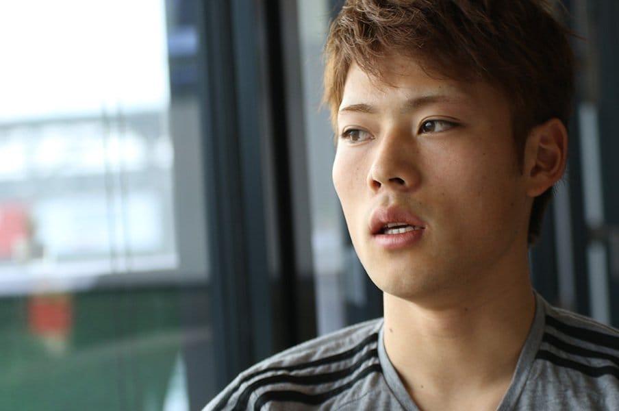 欧州クラブに挑戦する18歳の光と影。渡邊凌磨、ブンデスでの今を語る。<Number Web> photograph by Takahito Ando