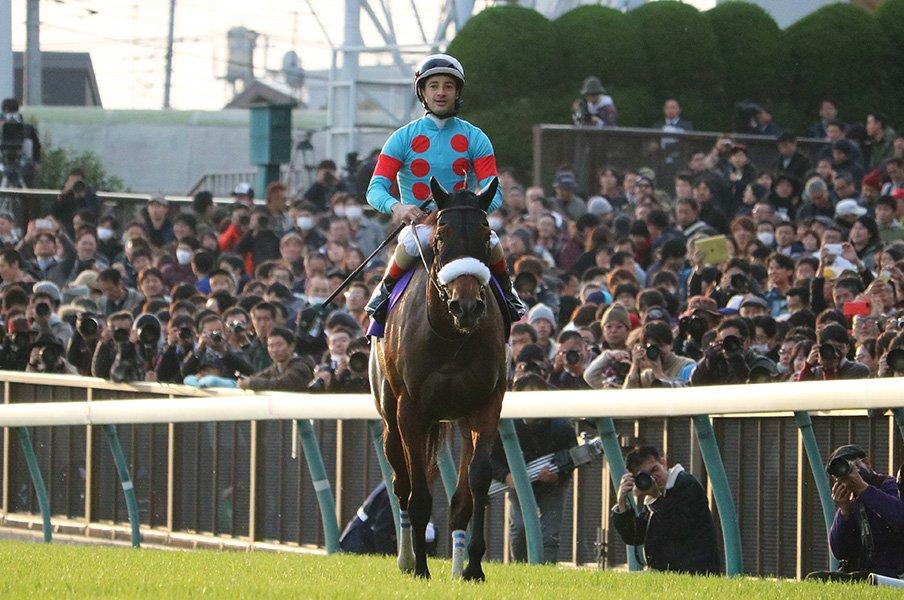 アーモンドアイ年度代表馬は堅い?2018年のJRA各賞を予想してみた。<Number Web> photograph by Satoshi Hiramatsu