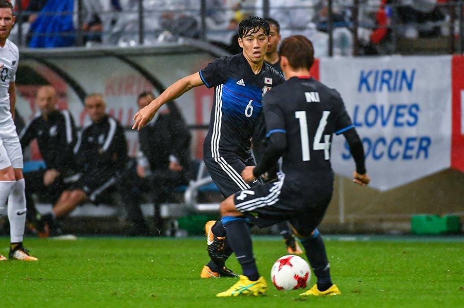 """福西崇史が語る現代サッカーMF像。日本の""""中盤3枚""""に欲しい能力って?<Number Web> photograph by Takuya Sugiyama"""