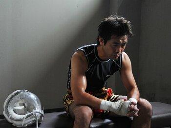 """""""野良犬""""小林聡が挑む、「映画」という第2の青春。~元キックボクサーが企画、出演~<Number Web> photograph by 2012映画『名無しの十字架』パートナーズ"""