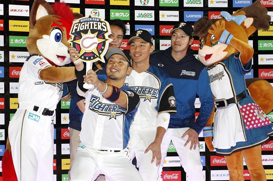 日本ハム広報が王柏融取材で接した、台湾メディアの情熱と温かなお礼。<Number Web> photograph by Kyodo News