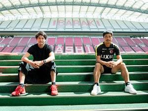 内田篤人と小笠原満男が欧州で学んだこと「蹴落としてでも這い上がる精神」遠慮するとパスタもなくなる?