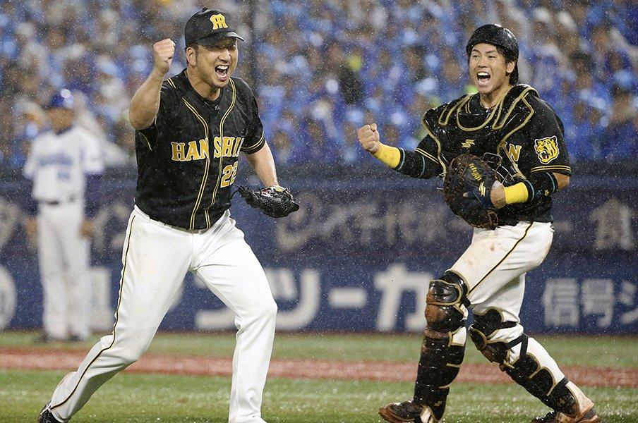 驚異的な代打成功率とリリーフ陣。阪神がDeNA撃破で下剋上への第一歩。<Number Web> photograph by Kyodo News
