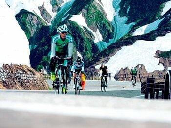 <自転車で山登り> ヒルクライムin立山 「ペダルを踏んで苦しみのその先へ」<Number Web> photograph by Mami Yamada
