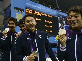 「康介さんを手ぶらでは帰せない!」チーム力で勝った、男子メドレーの銀。<Number Web> photograph by Asami Enomoto/JMPA