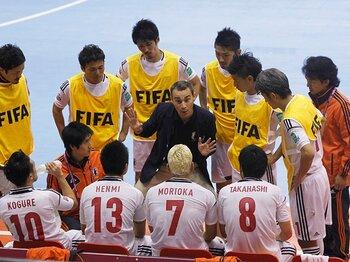 「1-4」でのブラジル戦敗北は布石!?フットサルW杯初戦、我慢の日本代表。<Number Web> photograph by REUTERS/AFLO