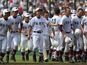 「木内野球」の印象を塗り替えた夏。常総学院・佐々木監督の色を見た。
