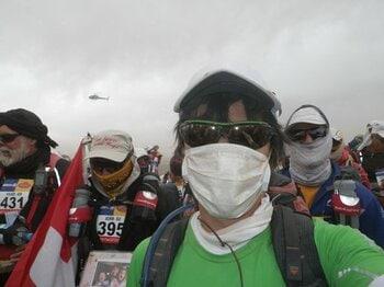 360度何も無い砂漠で迷子です……。過酷なコースでリタイアを夢見る。<Number Web> photograph by Takashi Matsuyama