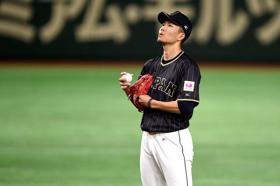 """WBCは""""滑らせ変化球""""こそ最強。千賀と宮西が今後も頼れる理由。<Number Web> photograph by Naoya Sanuki"""