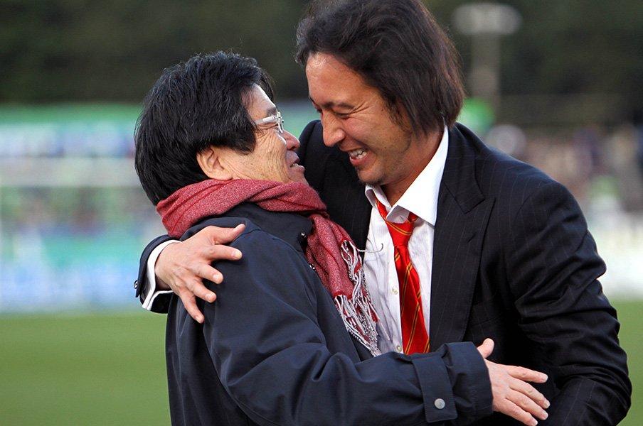 久米一正がサッカー界に遺したもの。「情熱とビジネス感覚の両立を」<Number Web> photograph by AFLO