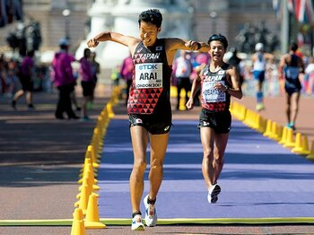 快挙のダブルメダル獲得。競歩は日本人向きの競技!?~一見地味だが、実は戦略と繊細さが必要な奥深い競技性~<Number Web> photograph by picture alliance/AFLO